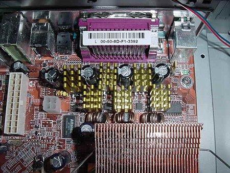 [CERCO]Dissi passivi in RAME per ram della 9800 PRO-mb1.jpg