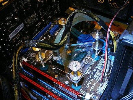 [PG+sped] vendo radiatore 120 con raccordi e waterblock-p1340216.jpg