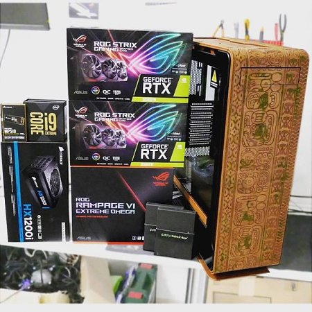 Tomb raider casemod-53476461_2049553561767236_2639671764656848896_n.jpg