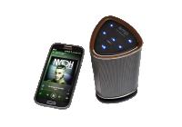 Uno speaker Bluetooth portatile di sicuro impatto, anche per quanto concerne l'estetica.