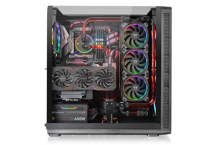 Thermaltake lancia il View 37 4