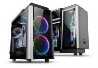 Tantissimo vetro e soluzioni decisamente particolari per far salire l'asticella della qualità.