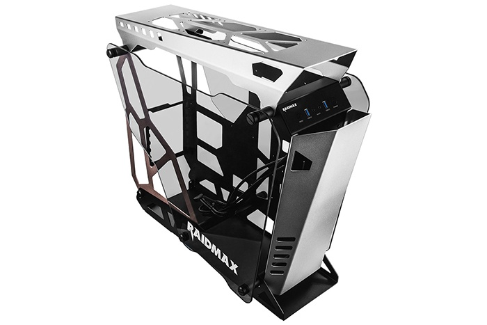 Raidmax rende disponibile l'Open Frame X08 1