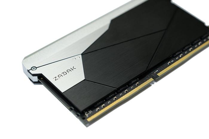 ZADAK annuncia le SHIELD DC DDR4 1