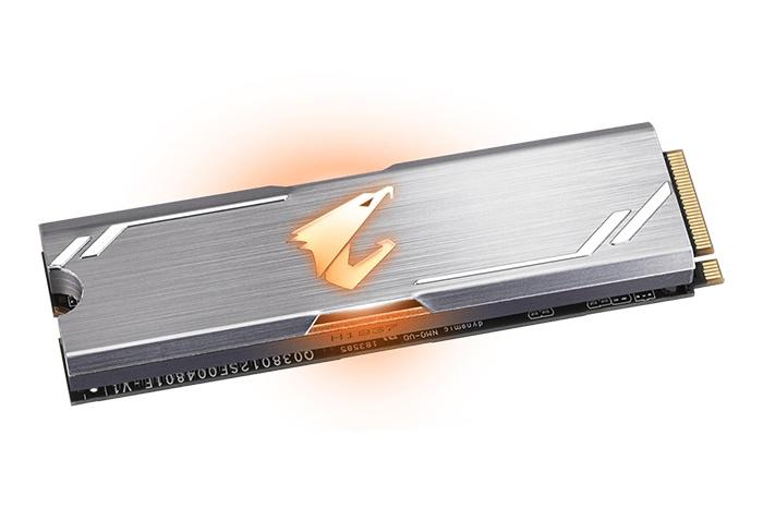 GIGABYTE presenta gli SSD AORUS RGB NVMe 2
