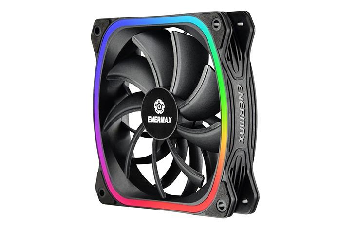 ENERMAX presenta nuovi prodotti con ventole SquA RGB 4