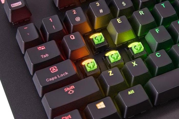 Thermaltake rilascia la Level 20 RGB Razer Green 2