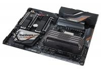 Garantita la compatibilità per le schede X470 e B450 ma anche, inaspettatamente, introdotto il supporto al PCIe 4.0.