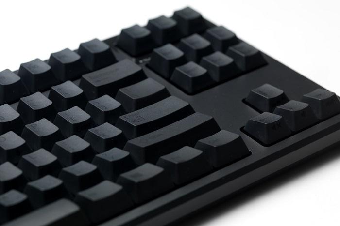 PFU sdogana le tastiere Topre REALFORCE 1