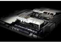 Frequenze sino a 4300MHz e, ancora una volta, chip Samsung B-die.