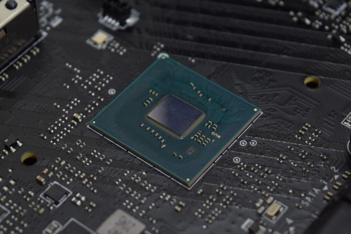 Ecco la lista dei nuovi chipset Intel serie 600 1