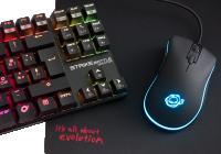 Una tastiera meccanica ed un mouse ottico che rendono molto bene sul campo di battaglia, senza per questo chiedere indietro un