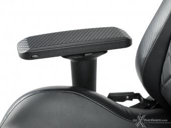 CORSAIR T1 RACE 3. Regolazioni ed ergonomia 11