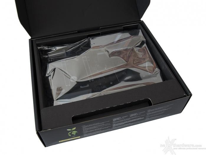 GIGABYTE X470 AORUS Gaming 7 WIFI 3. Packaging & Bundle 3