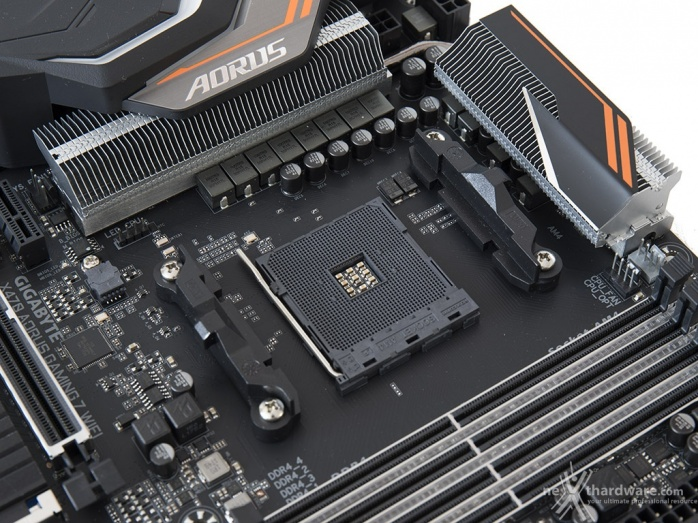 GIGABYTE X470 AORUS Gaming 7 WIFI 4. Vista da vicino 3