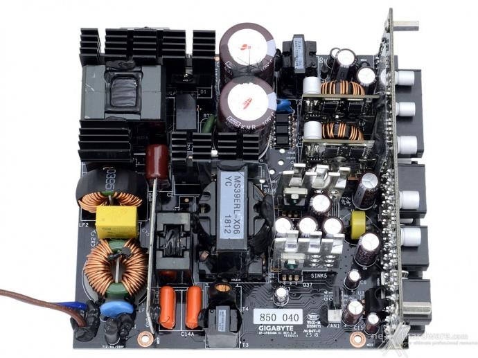 AORUS P850W 4. Componentistica & Layout - Parte prima 2