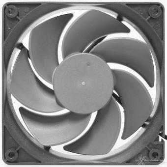 Antec DF700 Flux 4. Raffreddamento 4