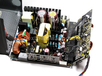 Corsair AX-850 4. Interno: componentistica & layout 3