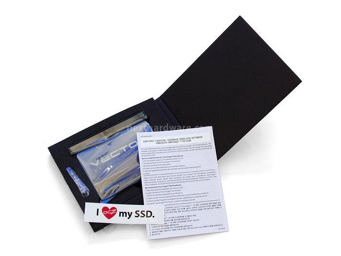 OCZ Vector 256GB: Day One 1. Confezione & Bundle 3