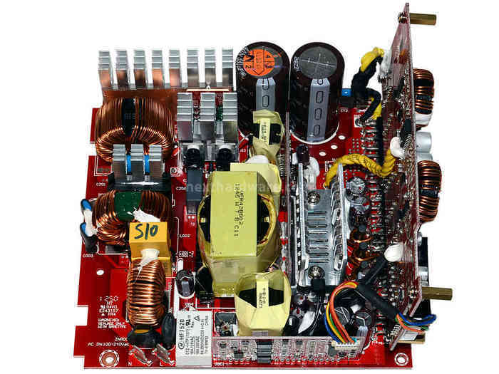 Cooler Master V1000 80Plus Gold 4. Componentistica & Layout - Parte 1 2