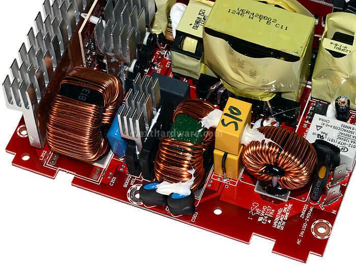 Cooler Master V1000 80Plus Gold 5. Componentistica & Layout - Parte 2 1